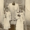 Pierwsza Komunia Św., ksiądz Rysiewicz, L. Ślusarz i H. Wątroba (ok. 1938) - Archiwum Wiktora Bubniaka