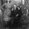 Zdjęcie u fotografa - ok. 1950  roku