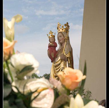 Cudowna figura Matki Bożej Lipińskiej