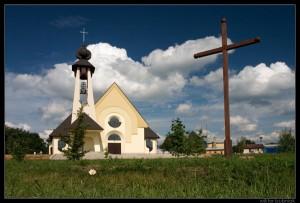 Nowy kościół wLipinkach - fot.Wiktor Bubniak 2005
