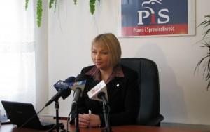 Barbara Bartuś podczas konferencji prasowej