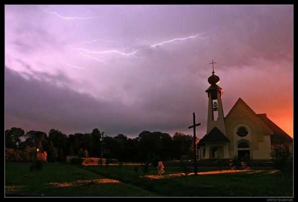 Gwałtowne burze mogą nadejść nocą