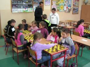 Pierwsze kroki szachowe lipińskich dzieci