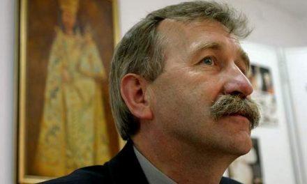 """Senator Kazimierz Jaworski wspiera remont """"starej plebanii"""""""