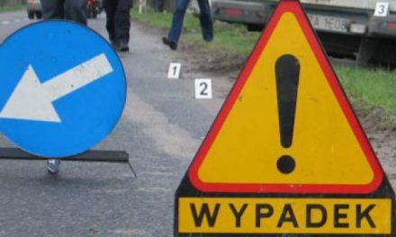 Wypadek wKrygu. Opel najechał nakonny zaprzęg