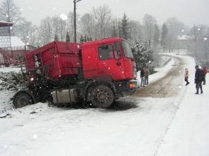 Pierwszy śnieg sprawił wiele kłopotów... wlistopadzie 2010 roku