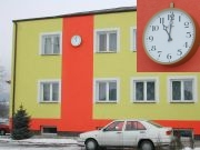 Wielki zegar wLipinkach naUrzędzie Gminy