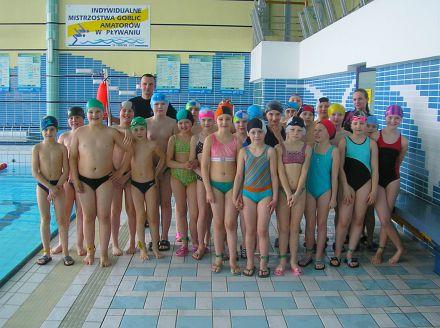 Lokalna Fundacja Oświatowa wLipinkach uczy dzieci pływać