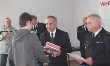 Krzysztof Woźniak zwyciężył wTurnieju Wiedzy Pożarniczej
