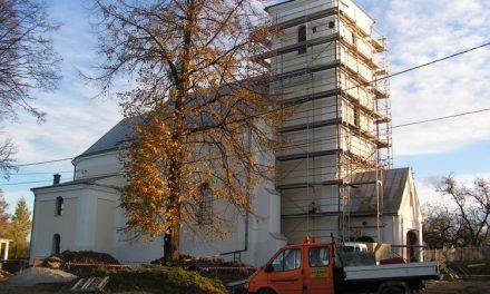 Ks.Jan Edling zdobył pieniądze nadach starego kościoła wLipinkach