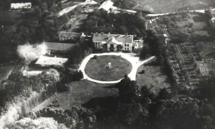 Kompleks dworski wLipinkach nazdjęciu lotniczym z1928 roku