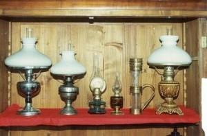 Kolekcja lamp naftowych