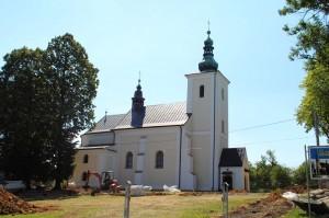 Zabytkowy kościół wLipinkach