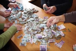 Liczymy pieniążki skrupulatnie :)