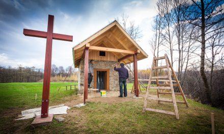 """Towarzystwo """"Jastrzębiec"""" wesprze remont kapliczki św.Marcina wLipinkach"""
