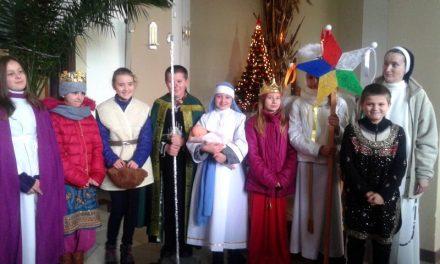 WParafii Lipinki uroczyście rozesłano Kolędników Misyjnych