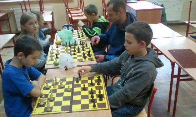 Zapraszamy dzieci nazajęcia szachowe wSP Lipinki