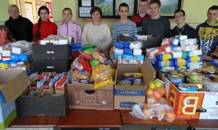 Ogólnopolska Zbiórka Żywności: Gimnazjum wKrygu zebrało 725 kg darów!