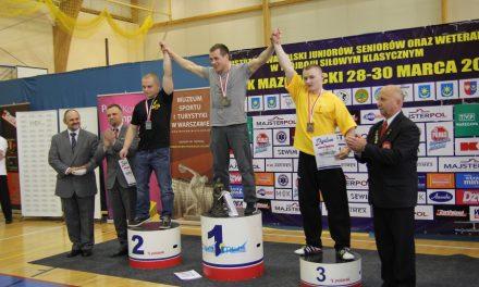 Kamil Świątek zBednarskiego brązowym medalistą Mistrzostw Polski wtrójboju siłowym