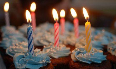 Urodziny – przyjęcie zpompą czybez?