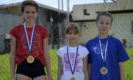 Lekkoatletyka dla każdego. WLipinkach wystartowali reprezentanci siedmiu szkół