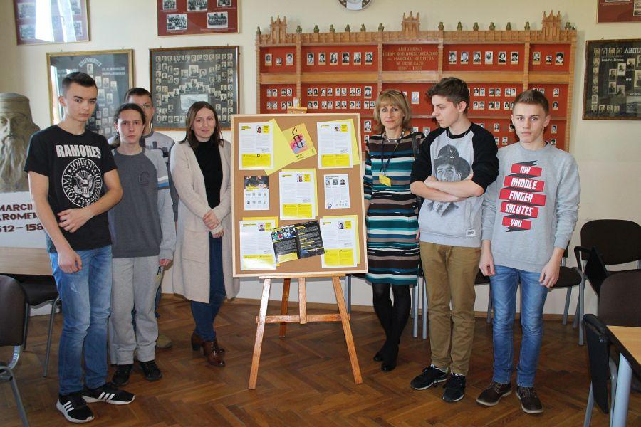 Szkolny Klub Europejski zLipinek wziął udział wMaratonie Pisania Listów Amnesty International
