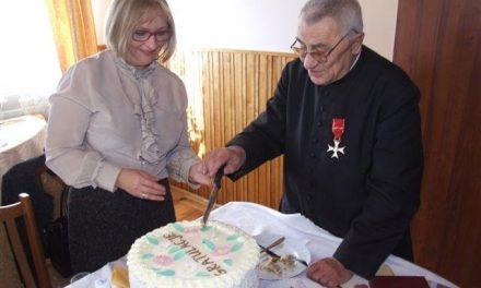 Ks.Ignacy Piwowarski odebrał Krzyż Oficerski Orderu Odrodzenia Polski