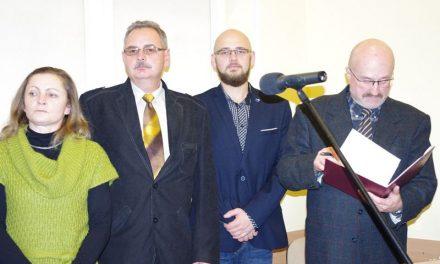 Krwiodawcy Klubu HDK PCK Lipinki odebrali odznaki Zasłużonego Honorowego Dawcy Krwi