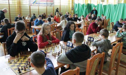 Paweł Świder zwycięzcą IMikołajkowego Turnieju Szachowego wLipinkach