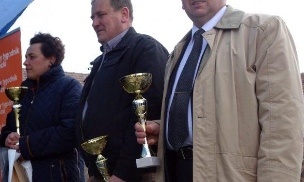 Andrzej Tylawski zRozdziela nagrodzony wNowym Sączu