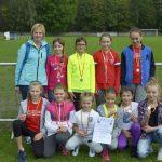 Dziewczyny zSP Lipinki zdobyły srebrny medal wbiegach przełajowych