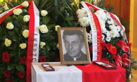 Rodzina dziękuje uczestnikom pogrzebu śp.Księdza Ignacego Piwowarskiego