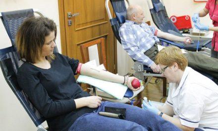 Honorowi krwiodawcy oddawali krew wLipinkach