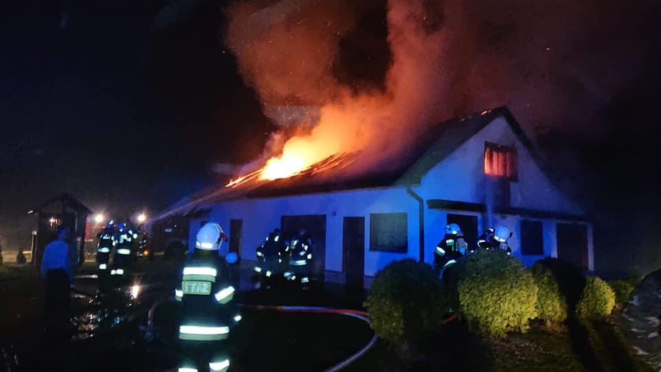 Nocny pożar wLipinkach. Płonął budynek gospodarczy