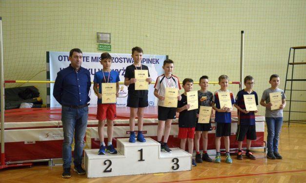 Medaliści IX Otwartych Mistrzostw Lipinek wSkoku Wzwyż. NOWE ZDJĘCIA!