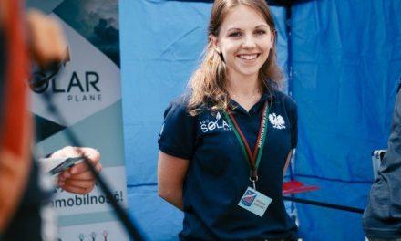 Studentka zLipinek wgrupie naukowców, którzyzbudowali pierwszy wPolsce samolot solarny