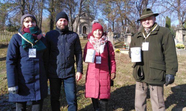Ile wyniosła składka zeŚrody Popielcowej naporządkowanie starego cmentarza wLipinkach?