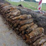 Arsenał pocisków artyleryjskich imoździerzowych odnaleziony podczas robót drogowych wRozdzielu