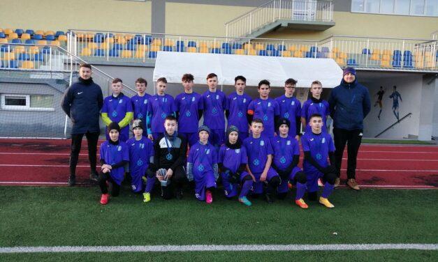 Podium dla trampkarzy LKS Wójtowa wKolejarz Winter Cup 2020