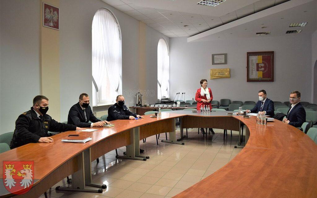 Powiatowa Rada Bezpieczeństwa Ruchu Drogowego. Wskładzie przedstawiciel Wójta Gminy Lipinki